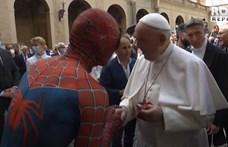 Ez nem film: Ferenc pápa fogadta a Pókembert