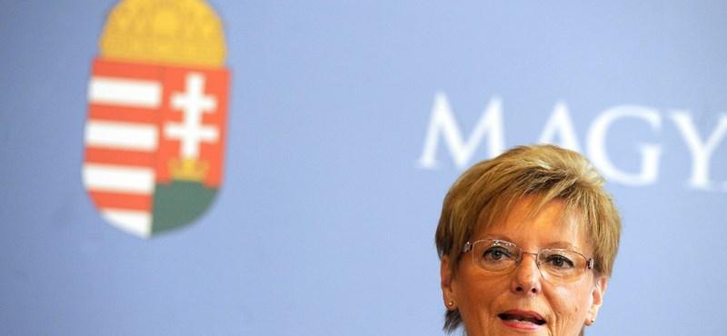 """""""Hoffmann Rózsának is mennie kellene már"""" - üzent az államtitkárnak az LMP"""