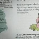 Megmagyarázta a kormány, miért áll saját lábán a magyar malac a tankönyvben