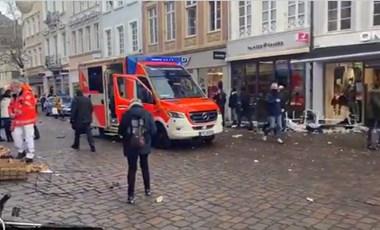 Gyalogosok közé hajtott egy autós Trierben, ketten meghaltak
