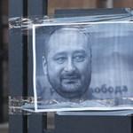 30 orosz ellenzéki életét mentette meg az újságíró, aki eljátszotta a saját halálát