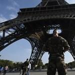 Vasárnapig még versenybe szállhat a párizsi kiállítóhelyekért
