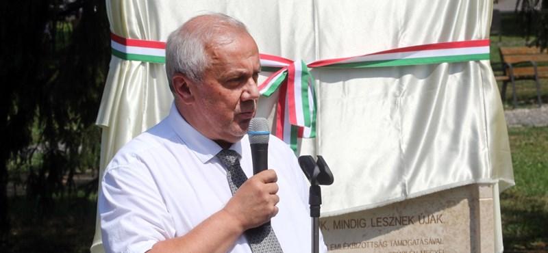 A politika adta, a politika elvette – furcsán váltották le a miskolci kórház vezetőjét