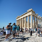 Villám csapott az Akropoliszba, négyen megsérültek
