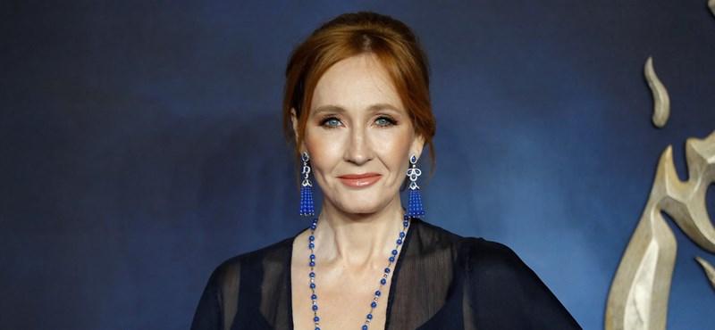 Kegyetlen politikai horror lett J. K. Rowling új gyerekkönyve