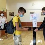 Hiába vár választ a hivataloktól a koronavírus-fertőzéssel sújtott miskolci iskola