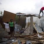 Haitin több száz embert ölt meg a Matthew hurrikán, most Florida felé tart