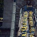 Még mindig nem fogytak el a csaló taxisok