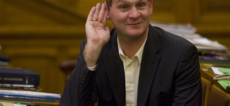 Vagyonosodási vizsgálatot kérnek Botka László ellen