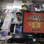 Útban az utolsó kemoterápiájára 200 ezer dollárt nyert a lottón egy férfi
