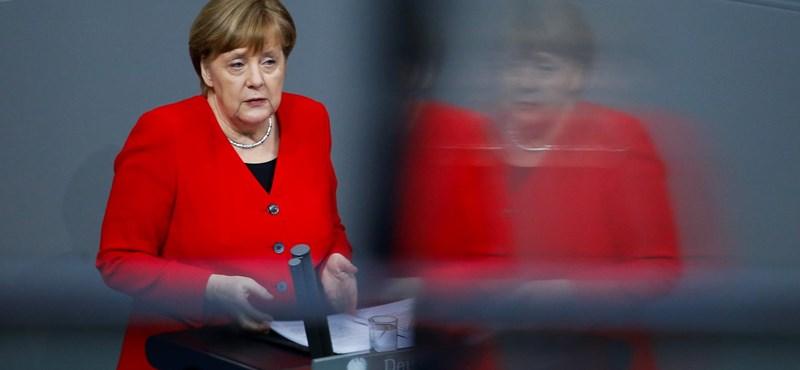"""Merkel a kormány által elvetett ENSZ-megállapodásról: """"A migráció ügyét csak közösen lehet megoldani"""""""