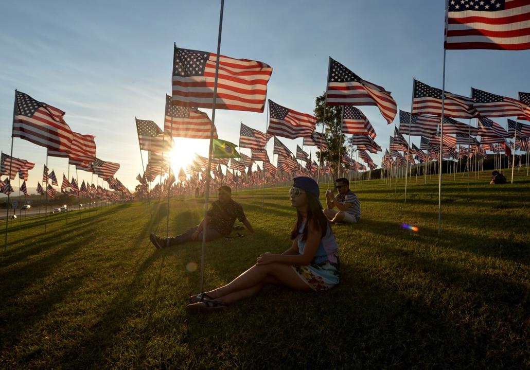 afp.14.09.09. - Malibu, USA: a világkereskedelmi központ (World Trade Center) elleni támadás évfordulója - wtc, 911