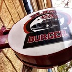 Enni Budapest: Black Cab Burger a Mester utcában