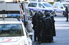 Harminc év börtönre ítélték azt a férfit, aki késsel támadt katonákra a Louvre-nál