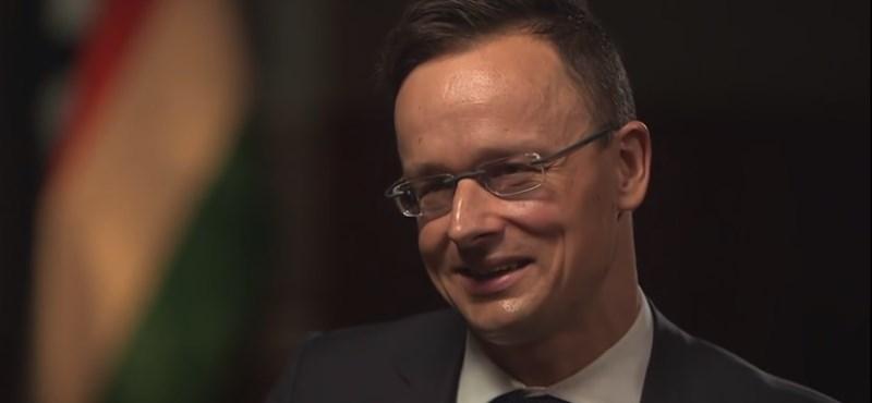 Szijjártó a BBC-nek: Nem mi élünk párhuzamos univerzumban