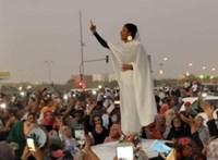 A szudáni elnök szerette a készpénzt – 130 millió dollár volt a rezidenciáján