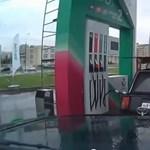 Videó: breaktáncos benzinkutas az év dolgozója