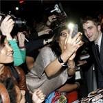 Robert Pattinsonnak minimum három nő kell