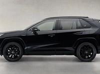 Sötét hibrid: csak az embléma nem fekete az új Toyota RAV4-en