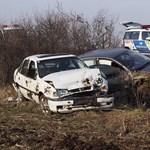 Fotó: Kiszálltak a kisodródott kocsiból, akkor gázolták el őket