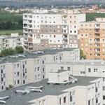Elbánnak a bérlakásban élőkkel Győrben