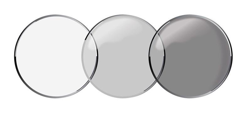 Erre sokan vártak: végre megcsinálták a kontaktlencsét, ami napszemüvegként is működik – fényre besötétedik