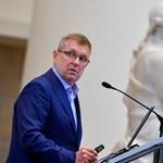 Az EU-nak is elismerte a kormány: az MNB-alapítványok közpénzből gazdálkodnak