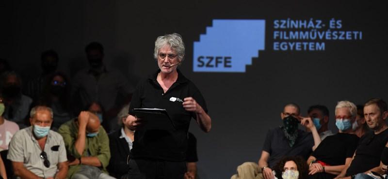 Ma jár le az SZFE 26 oktatójának felmondási ideje