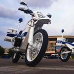 A Kalasnyikov megvan – és elektromos rendőrmotorként?