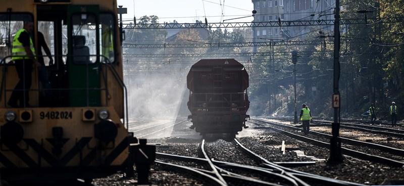 Talán mégsem fog sokat késni: mindkét vágányon járnak a vonatok Kőbányánál