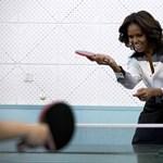 Így parodizálja felesége Barack Obamát
