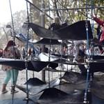 Birtokba vették a gyerekek a városligeti Nagyjátszóteret
