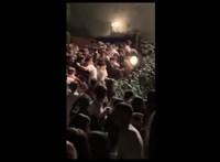 Egy 15 éves fiú okozta a pánikot az olasz klubban, ahol hat ember meghalt – videó