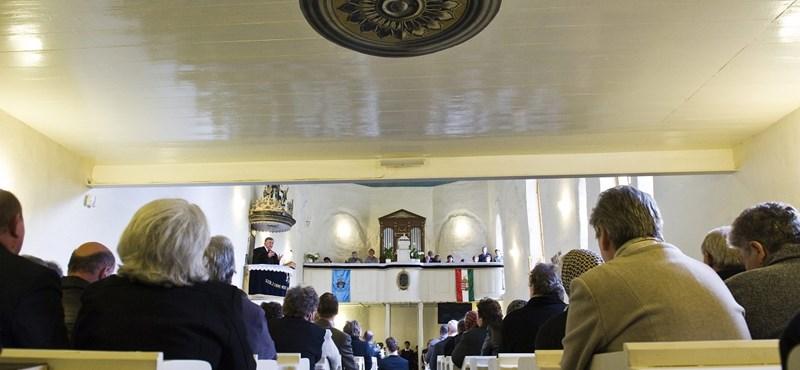 Majdnem százmillióból újult meg a vajai református templom