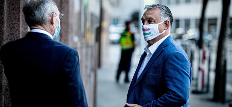 Orbán nem rajong a maszkért, könnyen hőgutát kap benne
