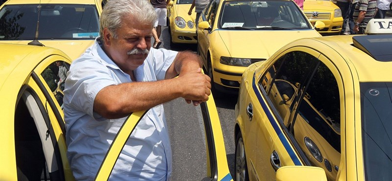 Újabb huszonnégy órás sztrájkot hirdettek a görög taxisok
