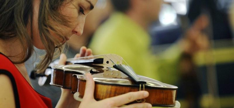 Ezért is érdemes hangszereken játszani