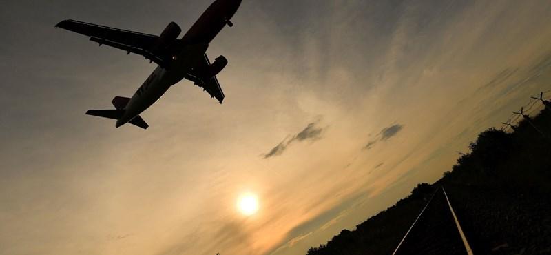 Magyarország fölött is jóval kevesebb repülőt látni most a koronavírus miatt