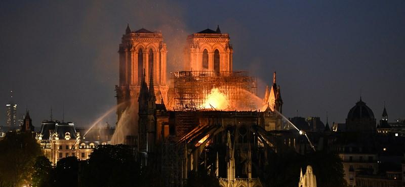 Ezt látták a tűzoltók a Notre-Dame oltásakor – fotók, videó