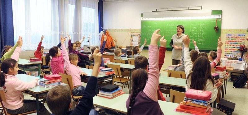 Filozófiai fogalmakat is tanulnak majd a diákok az erkölcstanórán