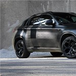 Horrortuning: kívülről is műbőrbe varrtak egy BMW X6-ot