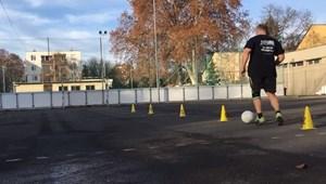 Kreatív megoldás egy kaposvári tesitanártól: Facebook-videókkal készíti fel a diákokat az érettségire