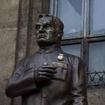 Kónya Péter szívesen menne börtönbe az Orbán-szobor miatt