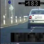 180-nal ment egy autós a 90-es táblánál – ittasan