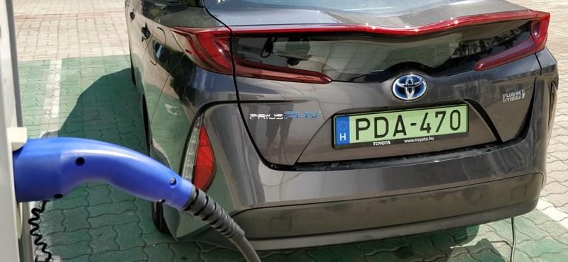 Zöld forradalom: Magyarországot is letámadják az elektromos és hibrid autók