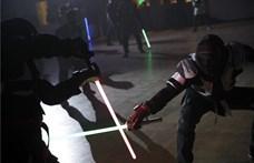 Jedi lovagok figyelem: a franciáknál versenysport lett a fénykardozás