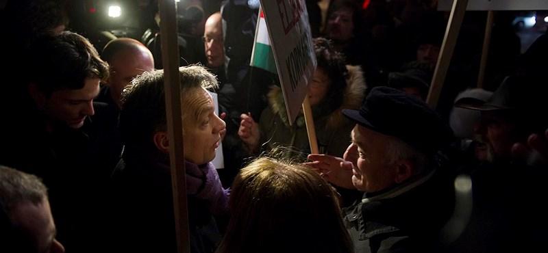 Orbán szétszóródó rendszerváltókról beszélt az egri gimiseknek