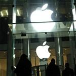 Botrány: titokban fotózták a nőket, és lelopták a telefonokról a felhasználók fotóit az Apple munkatársai