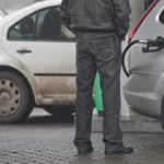 Most, hogy nálunk emelik a benzin árát, tovább esik az olajé