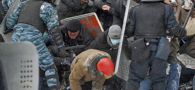 Három tüntető is meghalhatott Kijevben, Janukoviccsal tárgyalt az ellenzék